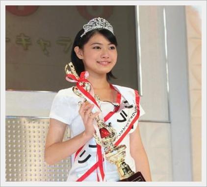 安田聖愛の魅力!モデルとしてのスタイルやかわいい画像も紹介!17